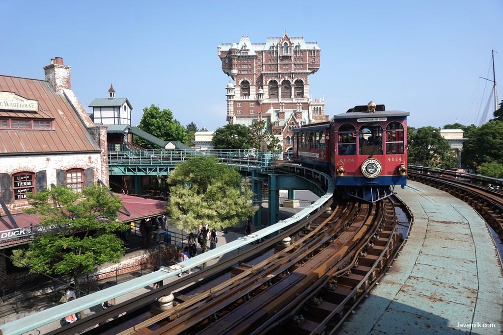 Tram Disney