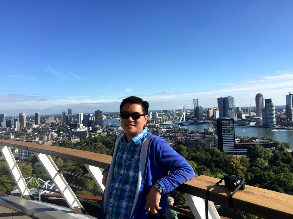 foto di atas EuroMast Rotterdam