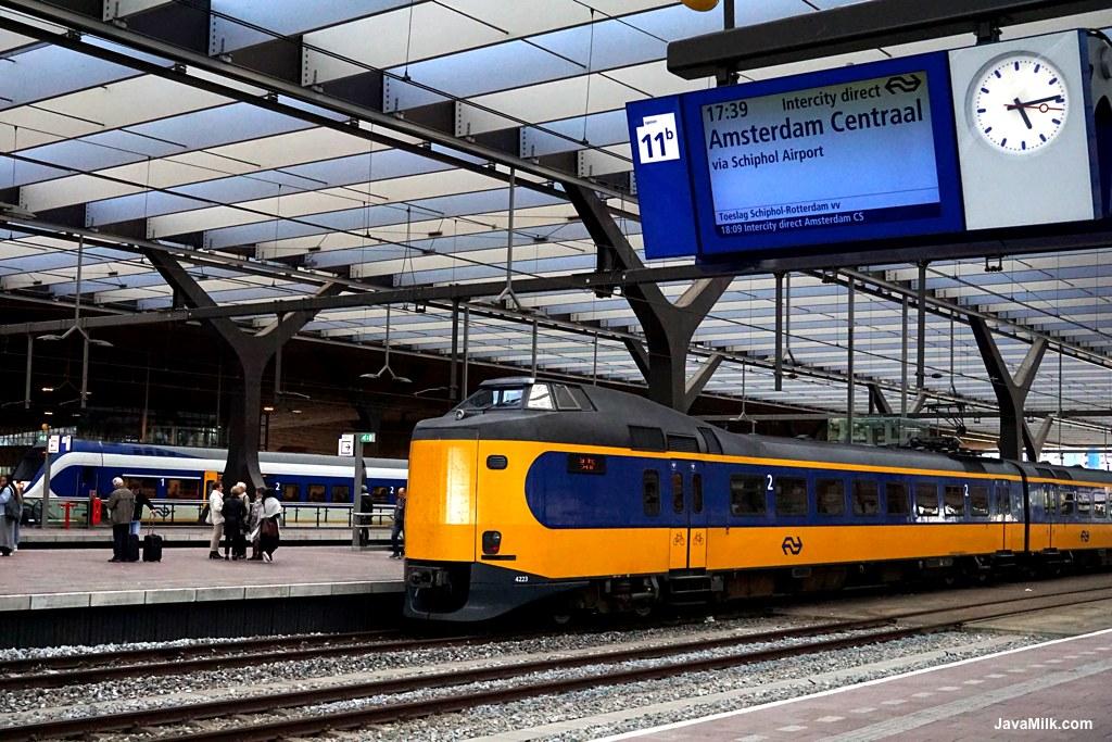 Kereta di Belanda